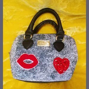 Tiny Betsey Bag